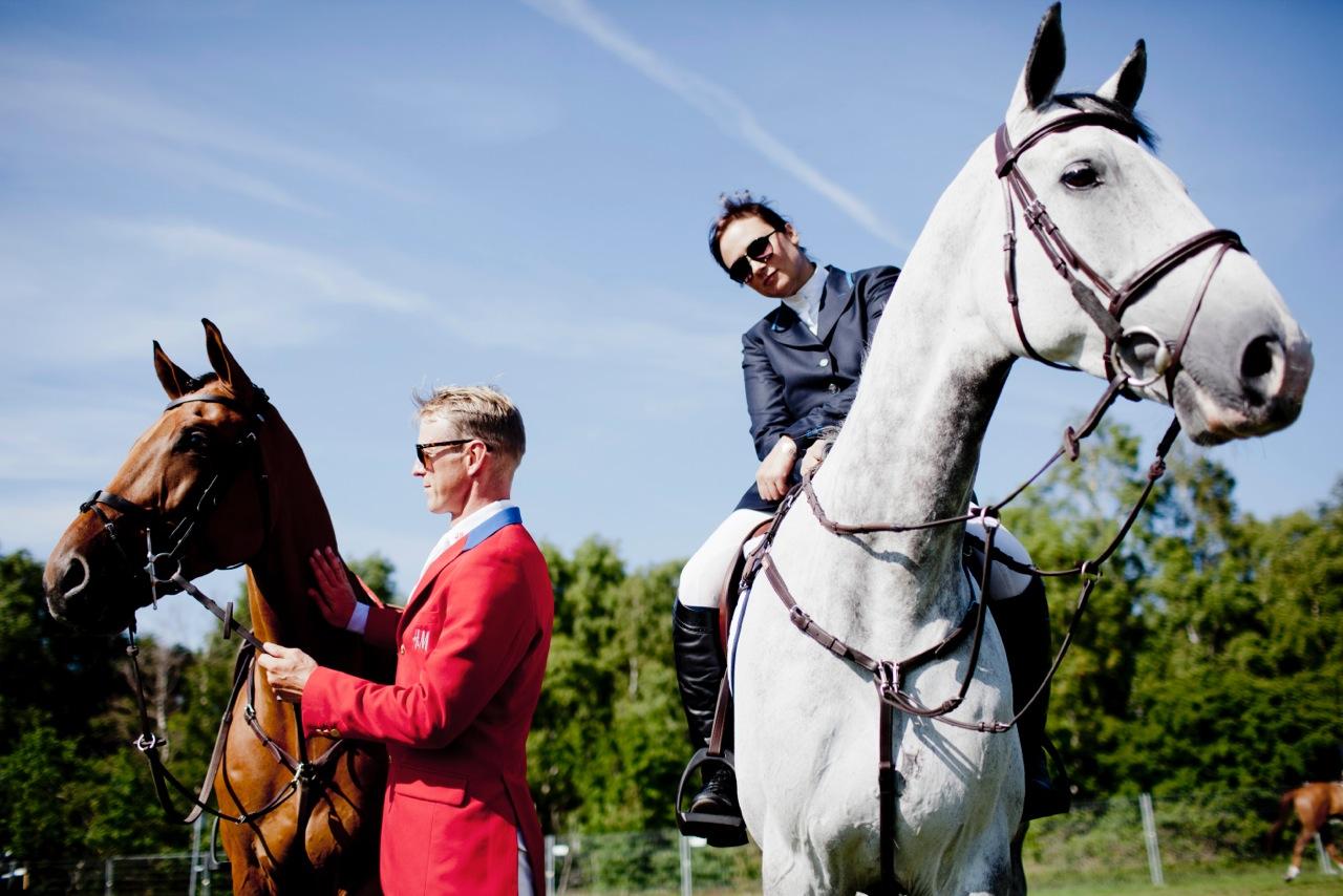 Lisen och Peder på hästarna