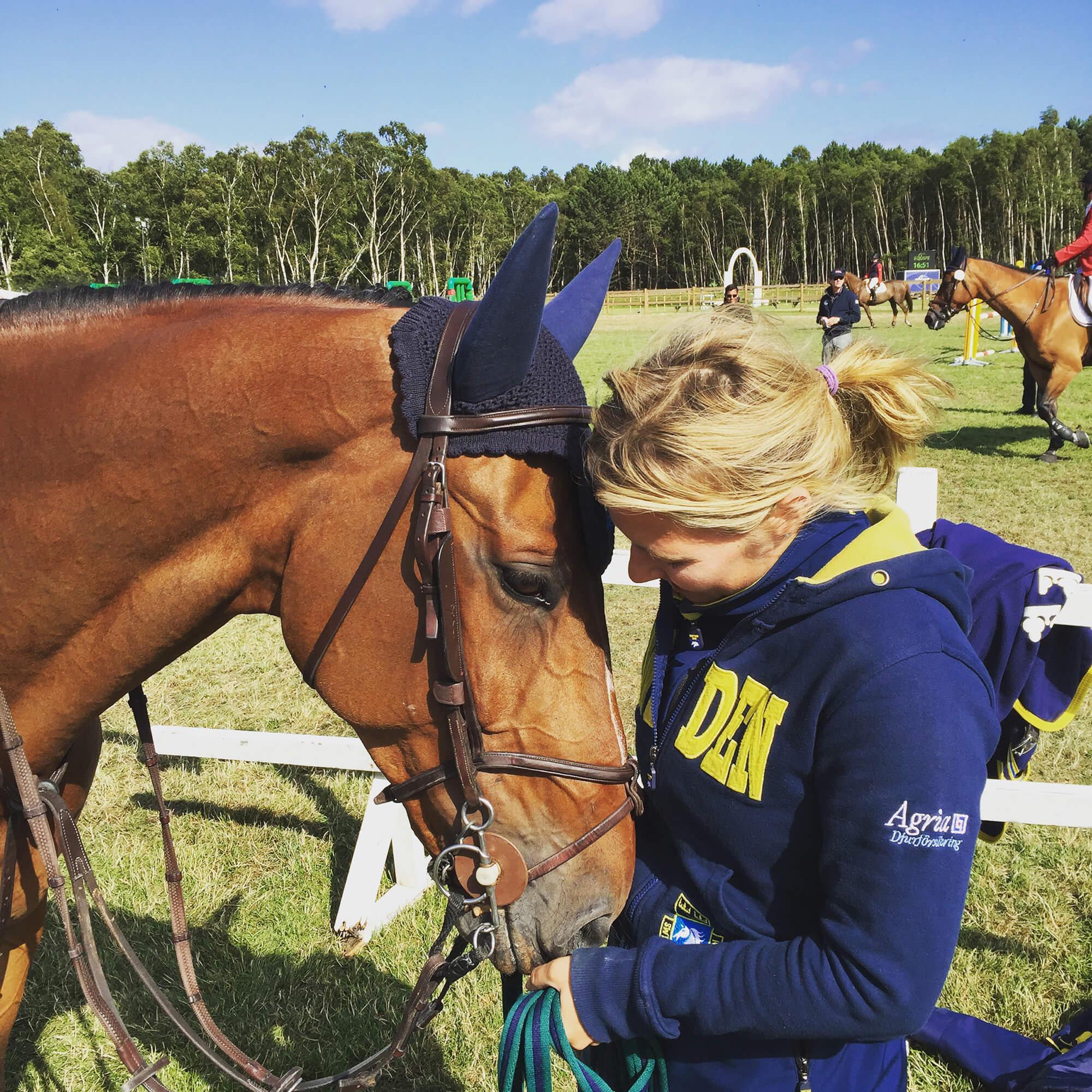 Kvinna och häst