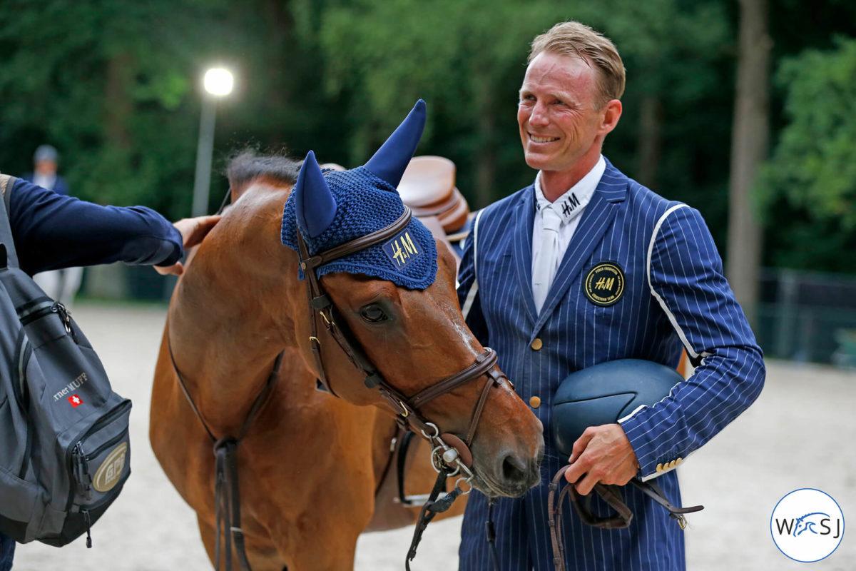 Peder och en av hästarna med H&M-kläder