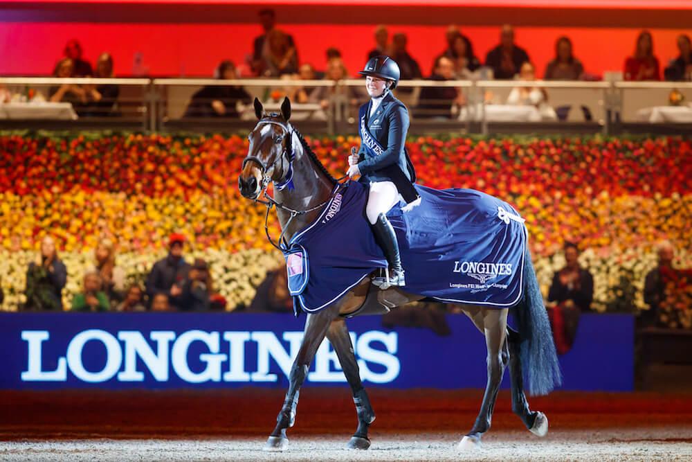 Tjej på häst på en tävling i Zurich